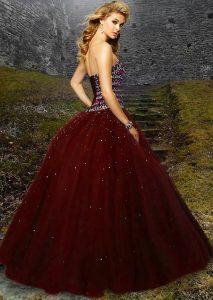 f3849d3b3f Aké šaty sa hodia na stužkovú slávnosť  Dámske spoločenské ...