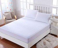 Biele posteľné plachty sú najčastejšie