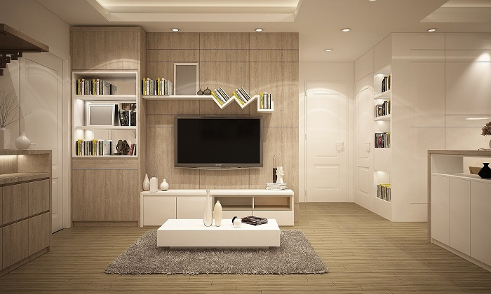 Doplnky a biele obývacie steny