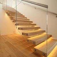 Kvalitné vstupne schody do domu